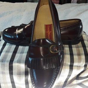 Cole Haan Burgundy buckle Loafers  Sz. 9 1/2